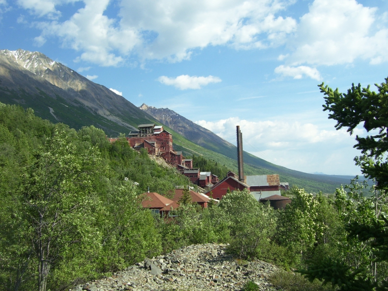 Hiking into Kennecott