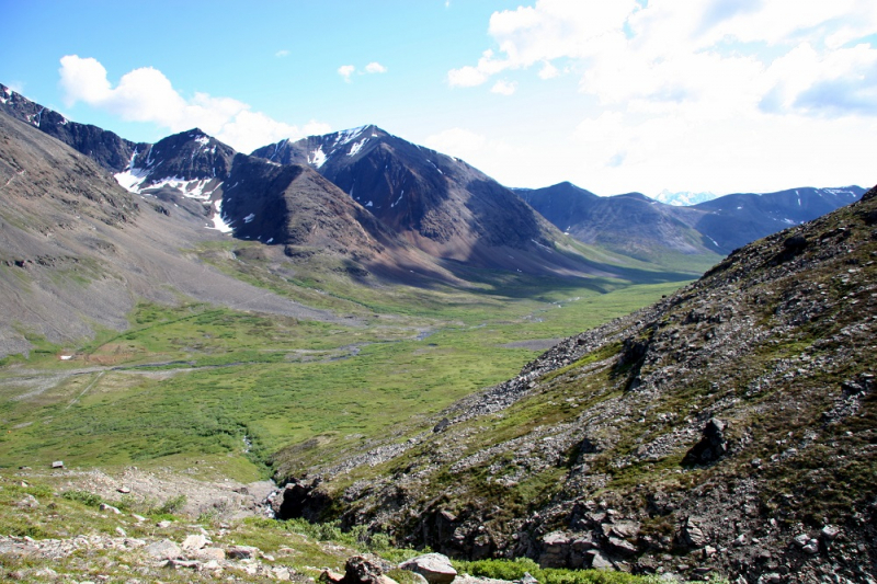 Tundra valley in Chugach mountains